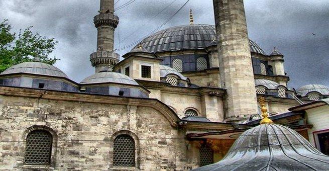 الصحابي الذي أحبه العثمانيون وبنوا مسجدا باسمه