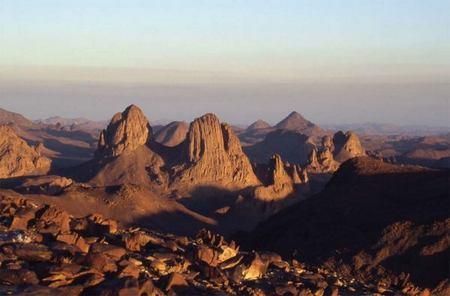اكتشاف 3700 موقعا أثريا جنوب غرب الجزائر