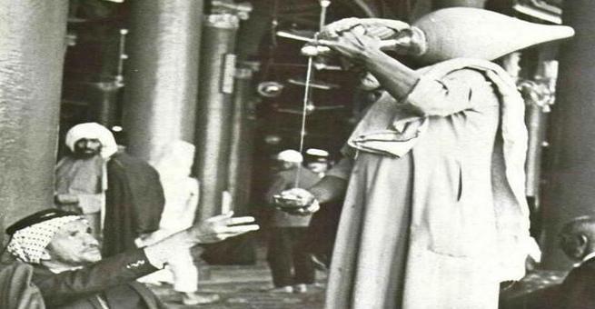 السقَّا في المسجد النبوي .. صورة من التاريخ