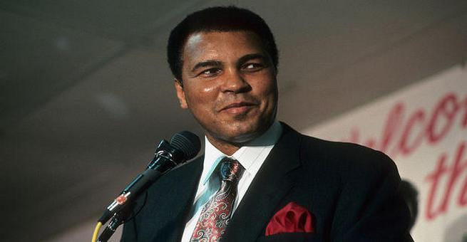 أبرز مواقف الملاكم الأميركي المسلم محمد علي كلاي