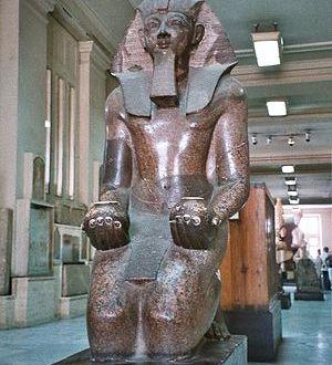 اكتشاف بقايا معبد فرعوني لتحتمس الثالث بالبدرشين