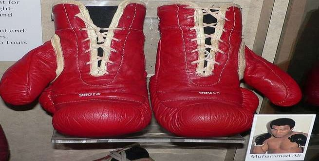 إسلام الملاكم الأميركي محمد علي كلاي