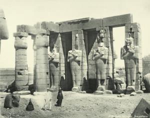 Ramesseum-statues-of-Osiris
