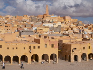 michael-runkel-view-over-the-town-of-ghardaia-mozabite-capital-of-m-zab-algeria-north-africa-africa