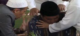 شاهد بالفيديو |وفاة قارئ إندونيسي بعد تلاوة هذه الآية