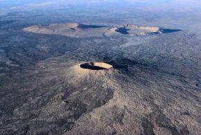شاهد بالصور .. أشهر بركان على بعد 8 كم من قبر الرسول