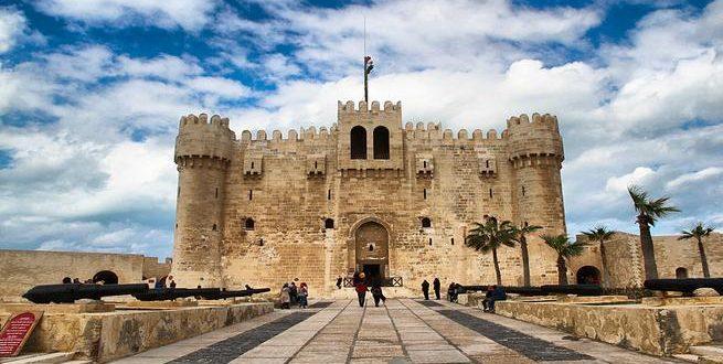 قصة قايتباي باني القلعة