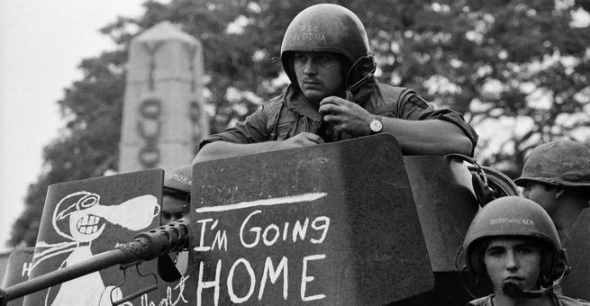 الولايات المتحدة تنسحب من فيتنام