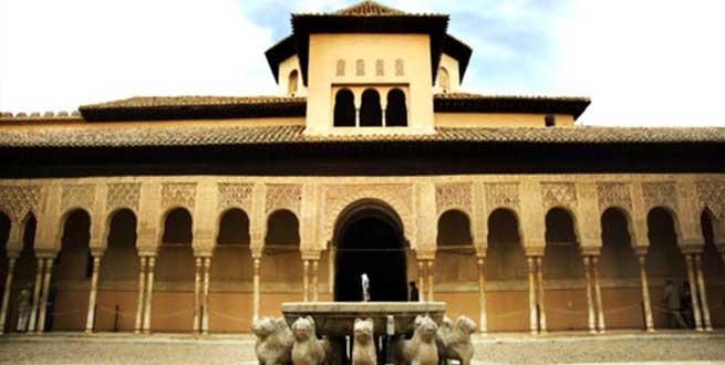 فيديو| جولة مصورة في قصر الحمراء أحد أهم معالم الأندلس