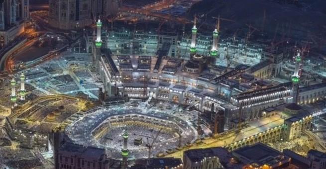 بالصور   شاهد صلاة العشاء والقيام  لليلة 27 رمضان في الحرم المكي