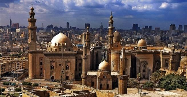 هذا جامع السلطان حسن .. فمن هو السلطان حسن؟
