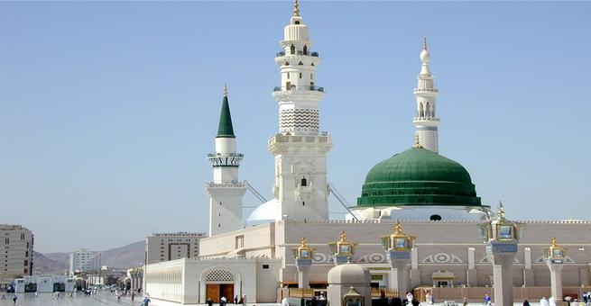 بالصورة .. إصدار بطاقة إرشادية بثلاث لغات لزوار المسجد النبوي