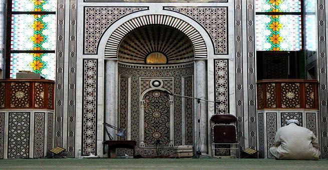 متى عرف المسلمون المحراب؟