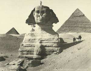 Sphinx-Pyramids-of-Chefren-and-Mankaura-Giza