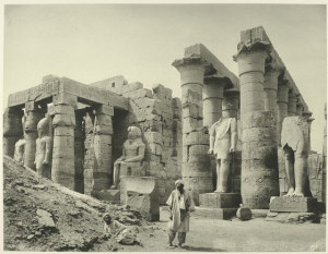The-temple-Ramses-statues